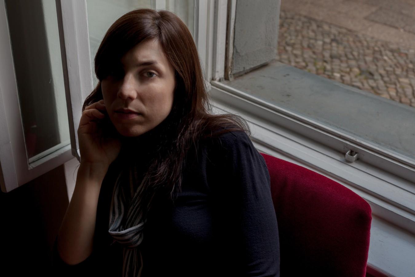 Julia Holter, Berlin, May 2013 by Nikolaus Brade.