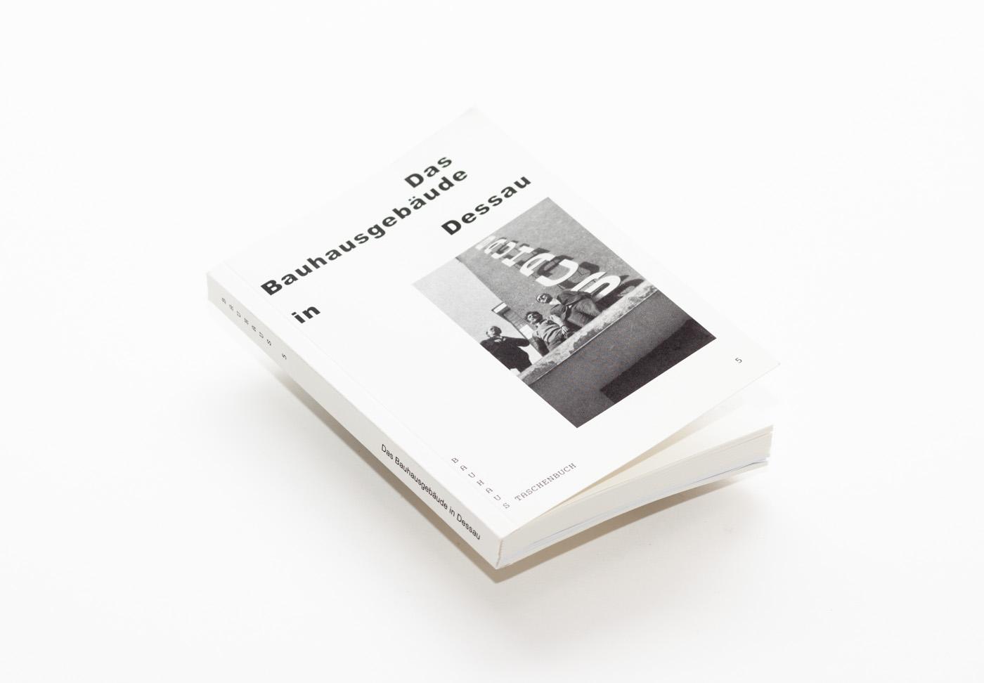 """Cover """"Bauhaus Taschenbuch 5"""" by Nikolaus Brade."""