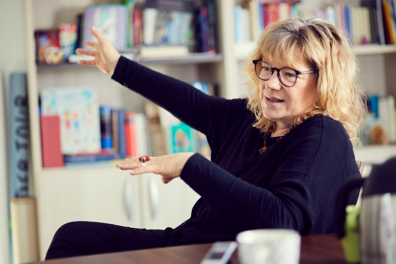 Interview with Felicitas Loewe by Nikolaus Brade.