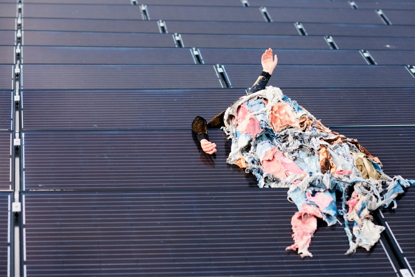 Isolation, Solar Performance with Ana Lessing Menjibar by .